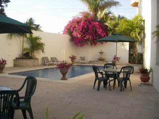 2 Bedroom Villa, Sleeps 6 - 8, Terrace with Ocean View