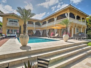 Lavish 6BR Waterfront Hallandale Beach House!