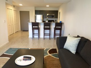 ALHAMBRA VIEW | 2 BEDROOM |7TH FLR 02