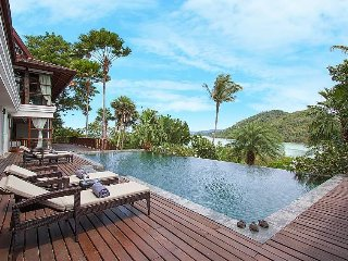 Buckaroo Villa - 4 Bedrooms With Infinity Pool & Private Pier in Koh Samui