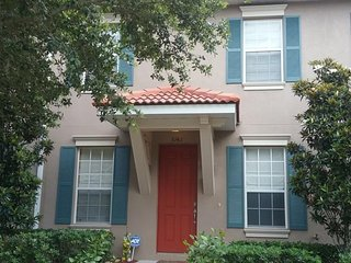 3142 VO Outstanding 3 bed  Town Home