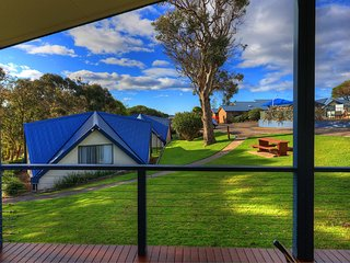 Beach Cabins Merimbula 3 Bedroom Cabin-Beach 200m