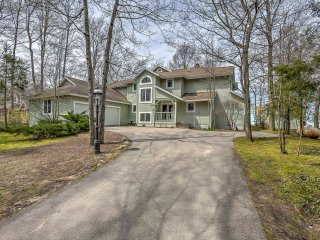 New! Gorgeous 5BR Charlevoix Home on Lake Michigan!