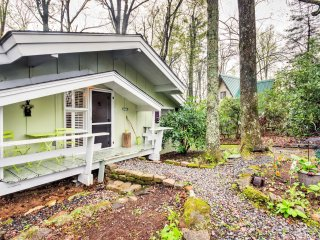New! 3BR Forested Newland Cabin w/ Spacious Deck!