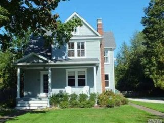Restored 1905 North Fork Farmhouse
