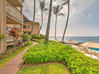 NEW! 2BR Kailua-Kona Townhome - Steps From Beach!