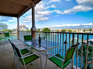 Harborview Grande 304 3 bedroom 2 bath Waterfront condo