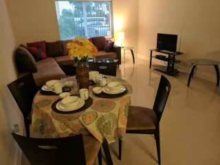 Comfy Cozy Modern 3 Bed 2 Bath Vacation Home Rental
