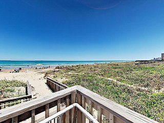 Spacious 2BR Condo w/ Beach Access – Close to Restaurants & Shopping, South Padre Island
