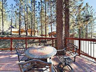 4BR W/ Private Hot Tub & Game Room - 10 Minutes to the Beach & Skiing