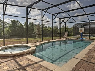 Davenport House w/Saltwater Pool-4.5 Mi to Disney!