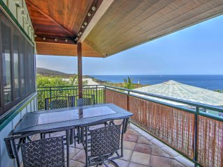 Captain Cook 'Anji's Beach House' w/Lanai & Views!