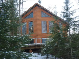4 Serenity Now - Private Lake Home Rental