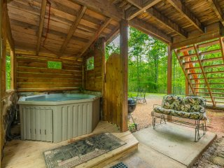 Creekside Retreat 1BR 1BA Cabin | Hot Tub | Trout Fishing | Pet Friendly