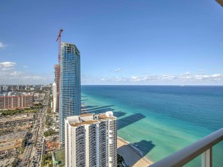 Sunny Isles Beach Penthouse Condo w/ Ocean Views
