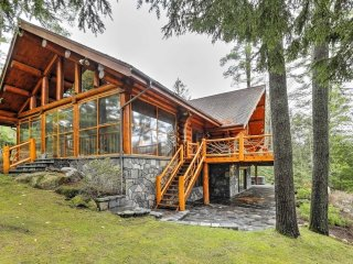 New! Lakefront 3BR North Creek Cabin w/Sauna!