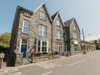 ANGORFA, three bedroom, Victorian, courtyard, coastline, Llanbedr, Ref 954434
