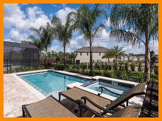 Encore Resort 13 - Premium villa with private pool and free shuttle to parks
