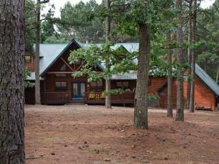 North Star Lodge (Sleeps 14 Pets Allowed)