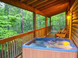 Deer Crossing | 4BR 3BA | Hot Tub | Pet Friendly | Wrap Around Porch | Fire Pit