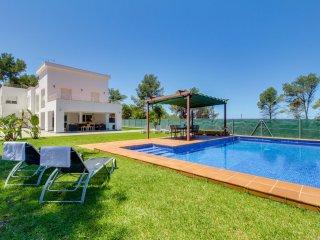 Lujosa villa con piscina y vista al mar!Ref.186886
