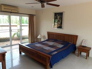Chambres à louer dans un espace confortable et calme proche de Pattaya ville(B&B, Bang Lamung