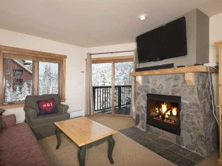 Close To Gondola-River Run Village! Views Of Slopes/Pool/HOT TUB. FREE FUN Pkg!