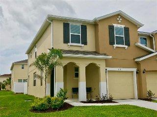 5116 Family Friendly 4 Bedroom close to Disney in Orlando Area, Winter Garden