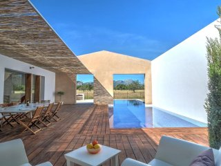 Designer villa near Puerto Pollensa with a magnificent pool