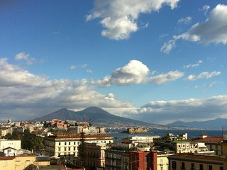 Panoramic Apartment with Big Balcony, Naples