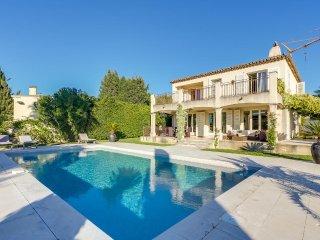 Jolie villa avec piscine à Saint-Tropez