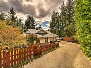Centrally Located 4 bedroom Vancouver Island Vacation Home