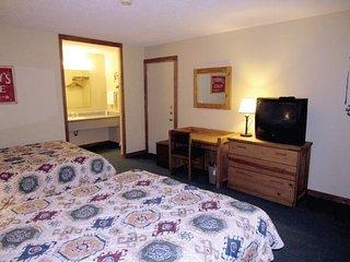 Double JJ Resort - Family Cabins King