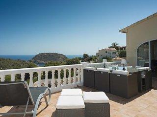 Exclusive Sea View Villa to Rent, 3 B+3B