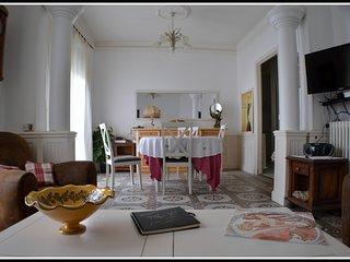 Béziers Appartement de Caractère 2 Chambres Style Art Déco