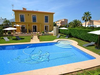 Margarita - Detached villa with large garden, private pool, barbecue and jacuzzi, Sa Coma