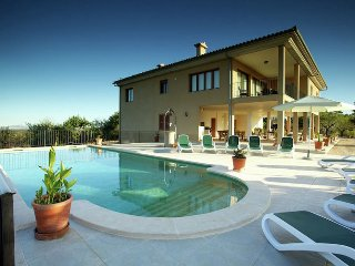 Sastre Blanquer - Spacious villa with private pool, barbecue, table tennis and