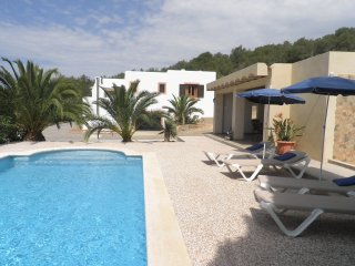Casa Cristina - Fine villa with pool within walking distance of San Jose