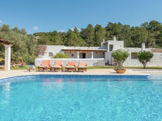 Can Mel - Authentic finca with pool and open views to the corner of Santa Eulalia