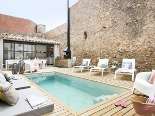 Pink House - Luxurious traditional Catalan house with pool in Marenya, Costa Brava-Empordà, Tor