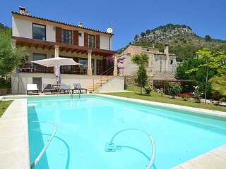 Sacoma - Luxurious villa with private pool, terrace, pool table, orchard, WiFi