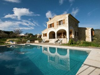 Pla de Ses Rotes - Spacious villa with private pool, pool table and bbq