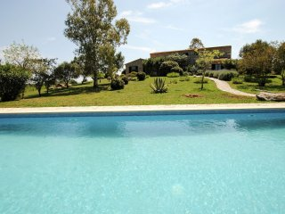 Willy 12 - Beautiful villa with large private swimming pool near Arta for