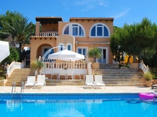 Casa Muneca - Villa within walking distance to the beach with diving and