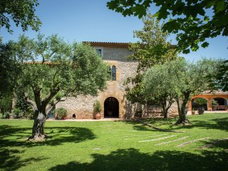 Serra de Daro - Big typical Catalan farmhouse with private garden and pool in