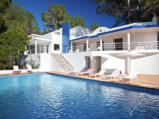 Casa Azul - Spacious, modern villa near Sant Agusti, Sant Agustí des Vedrà