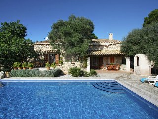 Fangar - Mallorcan stone house with stunning views and private pool
