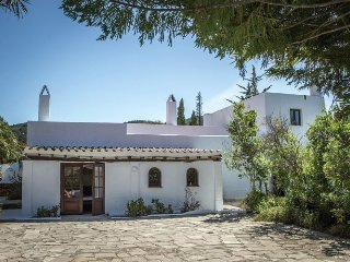 Can Luna - Beautifully restored 400 year old finca in the rugged north of Ibiza