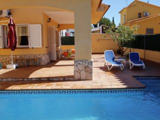 Pobla Mar II - Stunning villa with private swimming pool, 4 kilometres from a