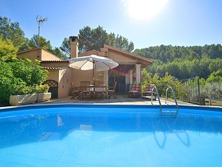Espinar - Authentic country house with private pool, extensive landscaping, WiFi